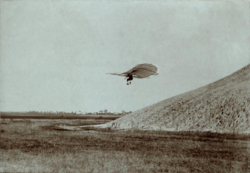 Otto Lilienthal on Fliegeberg by Ottomar Anschutz, 1884